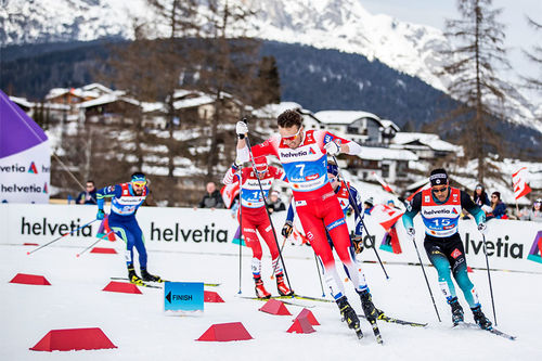 Emil Iversen i front av feltet under sprinten i Seefeld-VM 2019. Foto: Modica/NordicFocus.