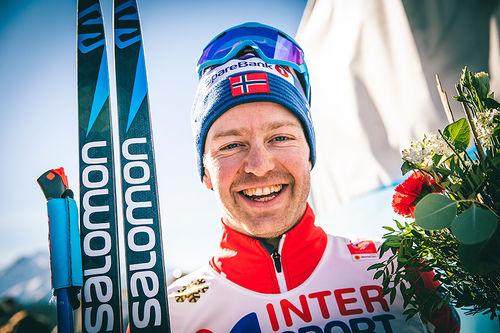 Sjur Røthe etter skiathlon-seieren under VM i Seefeld 2019. Foto: Modica/NordicFocus.