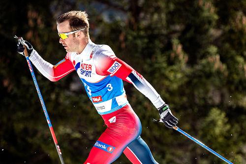 Sjur Røthe på vei mot gull på skiathlon under VM i Seefeld 2019. Foto: Modica/NordicFocus.