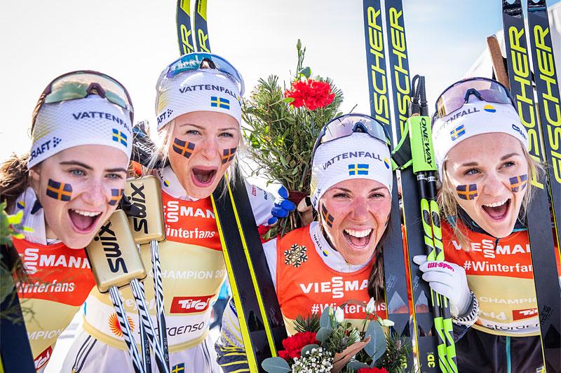 Sveriges gulljenter i VM-stafetten i Seefeld 2019. Fra venstre og i etapperekkefølge: Ebba Andersson, Frida Karlsson, Charlotte Kalla og Stina Nilsson. Foto: Modica/NordicFocus.