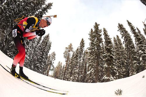 Johannes Thingnes Bø på vei mot sprint-gull under VM i Östersund 2019. Foto: Tumashov/NordicFocus.
