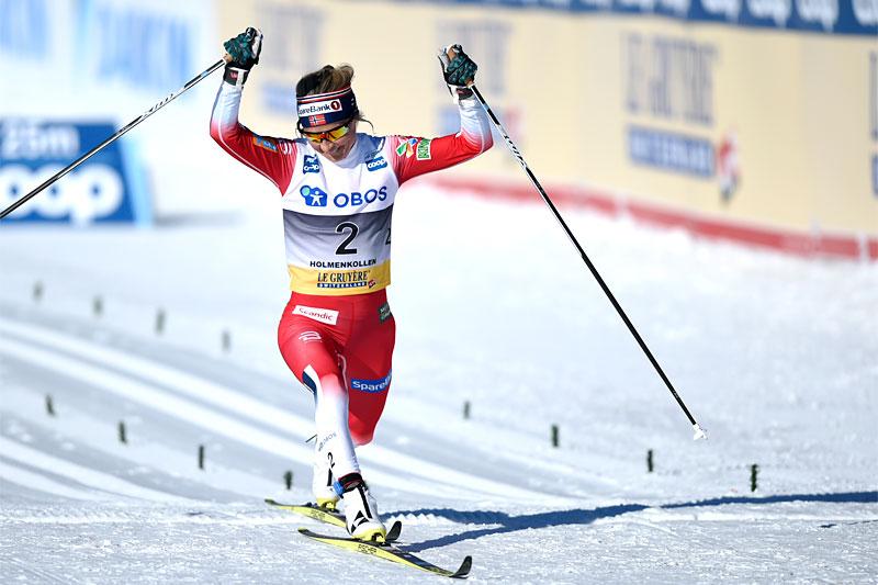 Therese Johaug inn til suveren seier på 3-mila i Holmenkollen 2019. Foto: Thibaut/NordicFocus.