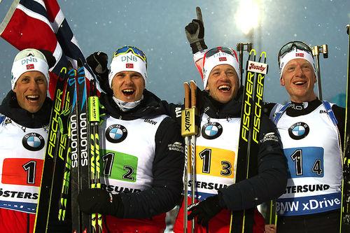 Norges vinnerlag fra VM-stafetten for herrer i Östersund 2019. Fra venstre: Lars Helge Birkeland, Vetle Sjåstad Christiansen, Tarjei Bø og Johannes Thingnes Bø. Foto: NordicFocus.