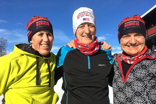 Til sammen har de gått Birken 95 ganger. Fra venstre: Nancy Bauer, Connie Meek og Lori Steinbach. Foto: Ingeborg Scheve.