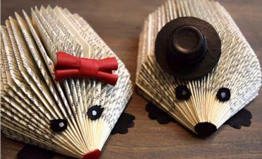 Pinnsvin laget av bøker