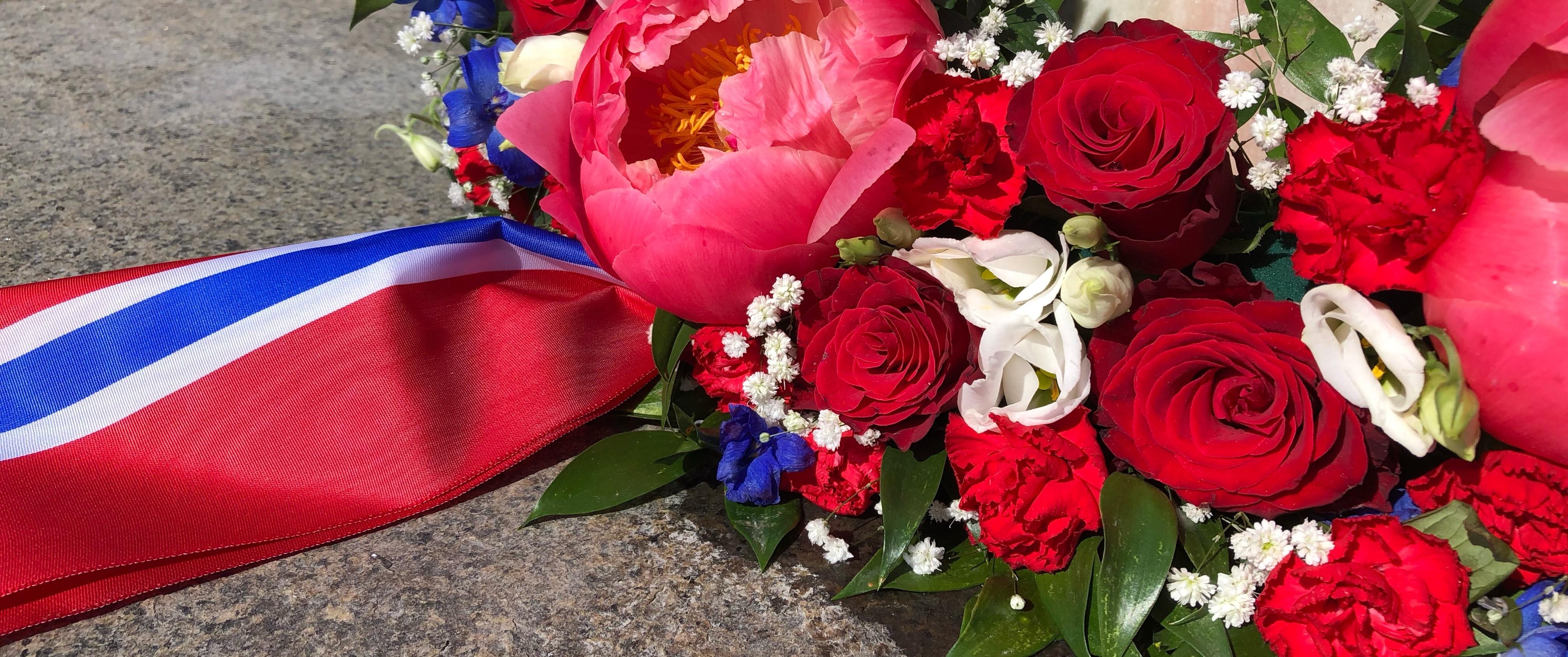 Blomst med flagg.jpeg