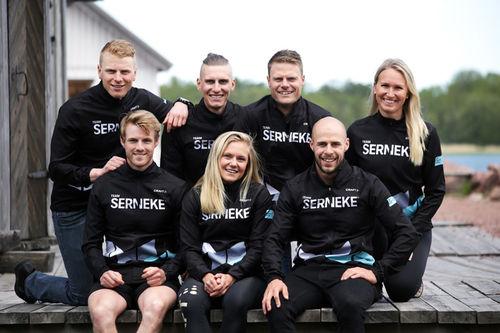 Lagbilde av Team Serneke 2019/2020. Teamfoto.