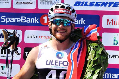 Bildet viser Håvard Solås Taugbøl da han spurtet til seier i Kanalrennet, under Sommarland Skifestival 2019 i Telemark. Arrangørfoto.