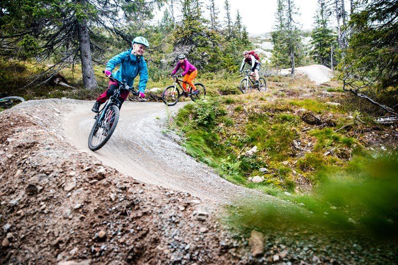 Tilrettelagte og bygde sykkelstier er blitt veldig populært i Trysil. Her fra den eneste heisbaserte stien, Magic Moose. Foto: Andreas Fausko / Trysil.