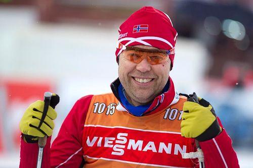 Halvard Hanevold på jobb under verdenscupen i Khanty-Mansiysk tilbake i 2016. Foto: Manzoni/NordicFocus.