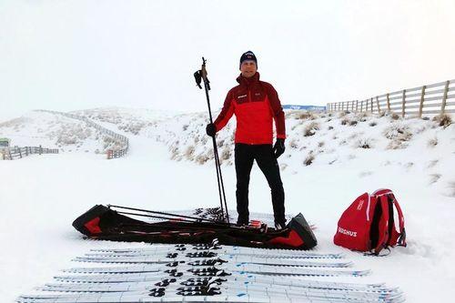 Madshusmannen Svein Ivar Moen jobber med skiutvikling for skifabrikken på Biri, i sommer har han testet ski på den sørlige halvkule, Snow Farm på New Zealand. Foto: Madshus.