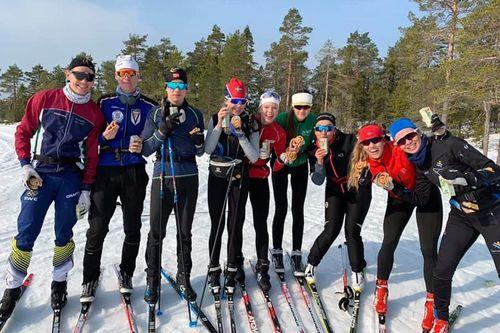 På Torsby idrottsgymnasium har du de förutsättningar som krävs för att testa hur långt du kan nå inom längdskidåkning. Här finns närhet, terräng, sparring och snö – året om. Foto: Linda Bengtsson.