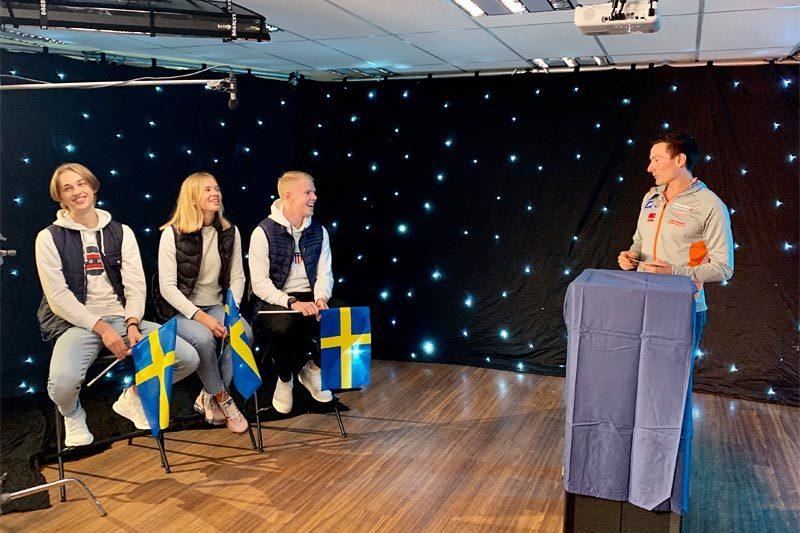 Alexander Melin, Kerstin Näslund och Emil Hagström är numera välkända i Norge efter att ha spelat in reklamfilm med norska sprintlaget. Finn Hågen Krogh var programledare. Foto: Linda Bengtsson.