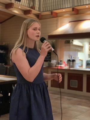Sanginnslag av 14 år gamle Iris Benum Bjoraa fra Evje