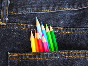 Bukse med blyanter