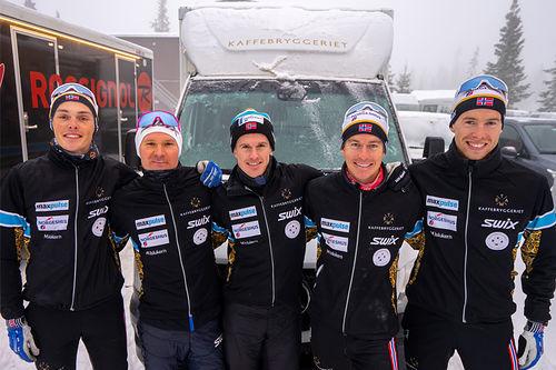 5 sterke kort fra Team Kaffebryggeriets lagoppstilling for sesongen 2019/2020. Teamfoto.