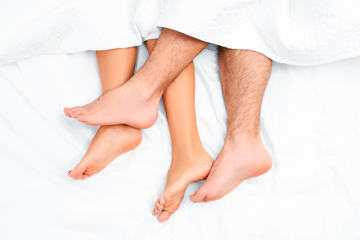 bs-Feet-Couple-223149631360