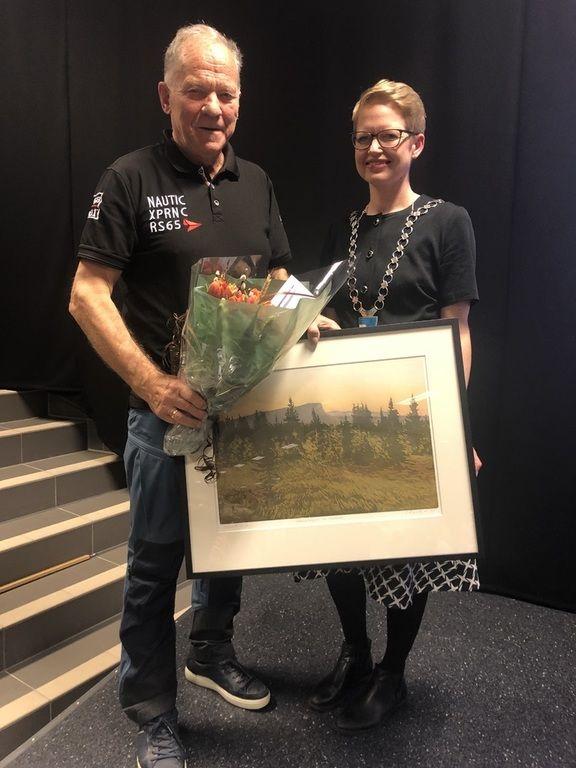 Johs Harviken og ordfører Anette Musdalslien