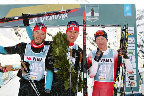 Herrenes seierspall i skøyteutgaven av La Venosta. FV: Thomas Chambellant (2. plass), Bastien Poirier (1) og Iver Tildheim Andersen. Foto: Newspower.it.