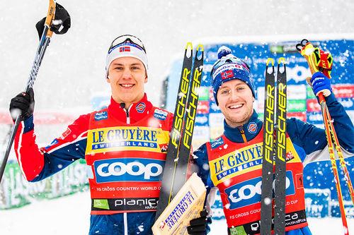 Erik Valnes og Sindre Bjørnestad Skar jubler over seier på lagsprinten under verdenscupen i Planica 2019. Foto: Modica/NordicFocus.