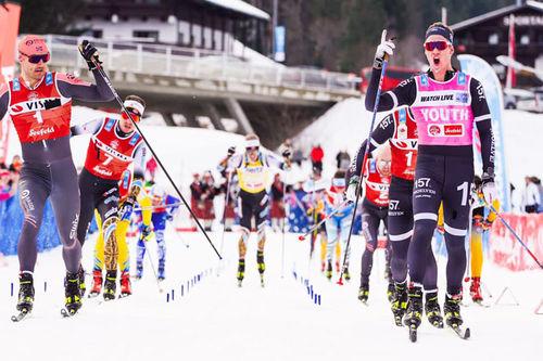 Andreas Nygaard til venstre i bildet må se seg slått i spurten av Visma Ski Classics-rennet Kaiser Maximilian Lauf 2020 med en tåspiss av Emil Persson. Foto: Magnus Östh/Visma Ski Classics.
