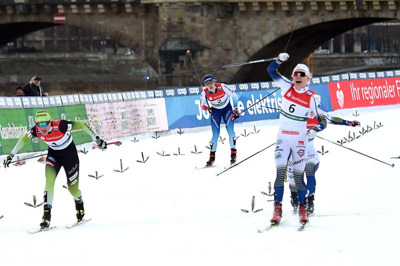 Linn Svahn inn til seier under verdenscupsprinten i Dresden 2020. Foto: Modica/NordicFocus.