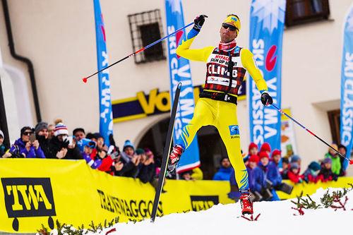 Chris Jespersen jubler etter å ha vunnet La Diagonela 2020, sesongens 5. renn i Visma Ski Classics, i suveren stil. Foto: Östh/Visma Ski Classics.
