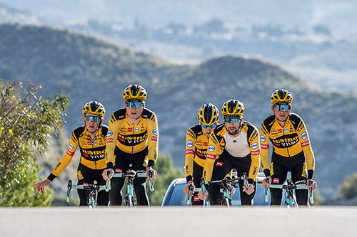 Team Jumbo-Visma søker inspirasjon blant nye idretter og ser flere likhetstrekk med langløp på ski og sykkelsporten.