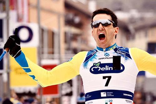 Tore Bjørseth Berdal jubler over seier i Marcialonga 2020, sesongens 6. renn i Visma Ski Classics. Foto: Magnus Östh/Visma Ski Classics.