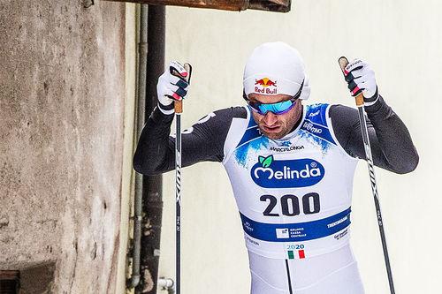 Petter Northug like før målgang i Marcialonga 2020. Foto: Modica/NordicFocus.