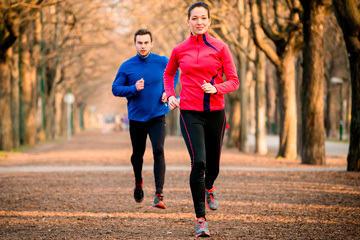bs-Couple-jogging-71072767-360