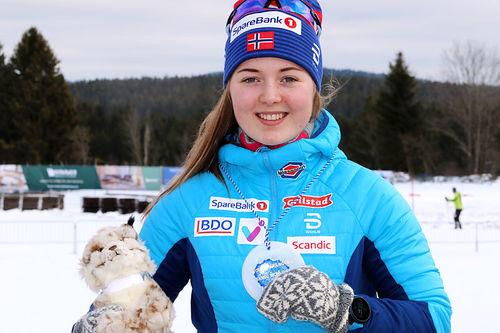 Vilde Nilsen er en av Norges aller fremste utøvere innen langrenn og har markert seg stort blant parautøvere de siste sesongene. Foto: Norges Skiforbund.