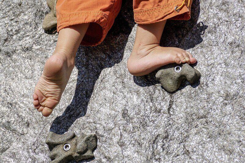 Barn som klatrer