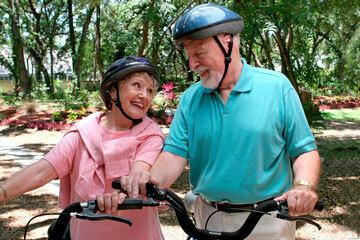 bs-A-happy-senior-couple--11977985-360
