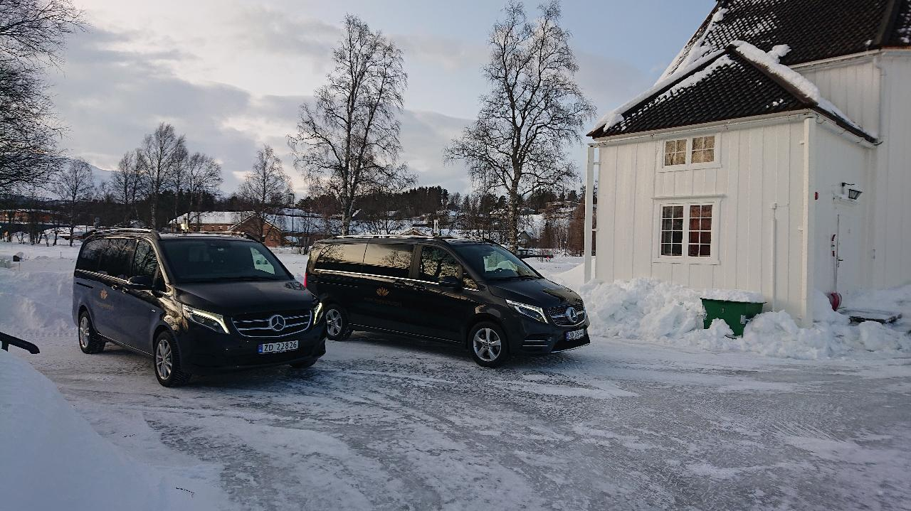 Begravelsesbiler Mercedes V-klasse.JPG