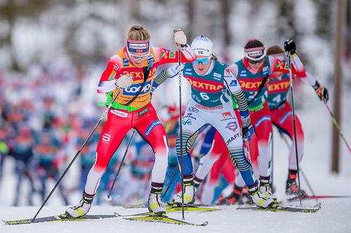 Langrennsløpere i Ski Tour. Foto: Thibuaut/NordicFocus.