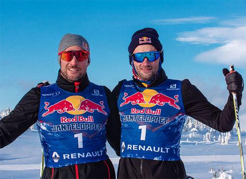 Aksel Lund Svindal (tv) og Petter Northug har inngått en allianse foran Red Bull Janteloppet 2020. Jeppe Solberg / Red Bull Content Pool.