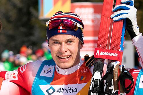 Harald Østberg Amundsen etter sitt gulløp på 30 km under U23-VM 2020 i Oberwiesenthal. Foto: Marko Unger / Studio2media.
