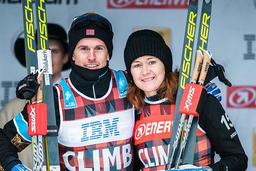 Morten Eide Pedersen til venstre sikret seg klatretrøya for menn i Visma Ski Classics sesongen 2019/2020. Blant damene gjorde Britta Johansson Norgren det samme. Foto: Magnus Östh/Visma Ski Classics.