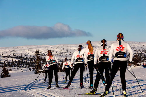 Skiløpere ved NTG Lillehammer ute på trening i fjellet. Foto: NTG Lillehammer.