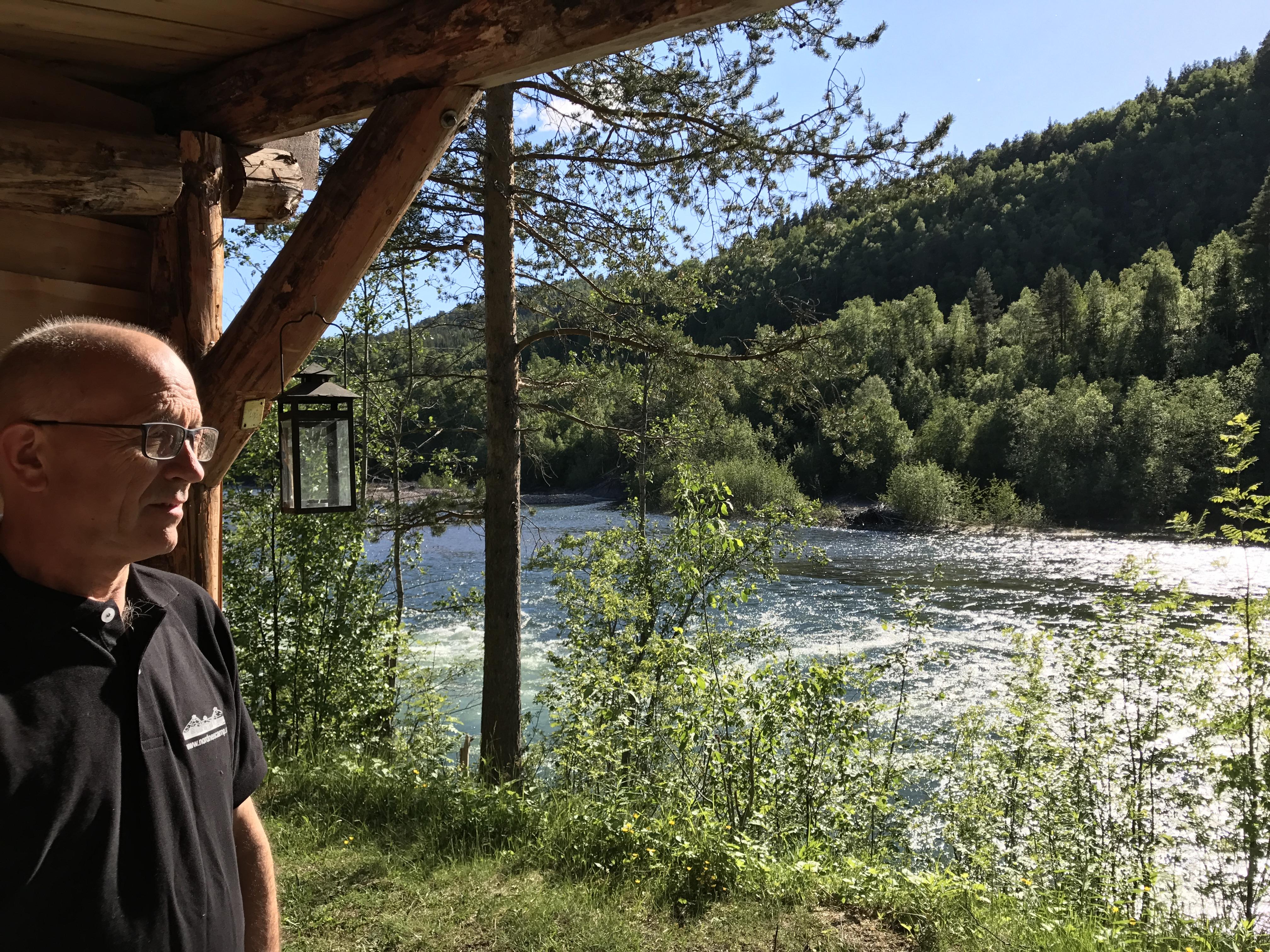 Gapahuken ved elva