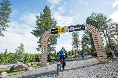 Inngangsportalen til sykkellykke i Trysil. Her finner du sykkelpark og over 30 kilometer sykkelstier gradert fra grønn (lett) til svart (avansert). Foto: Vegard Breie / Destinasjon Trysil.