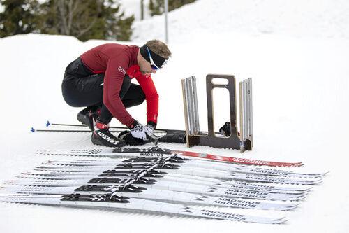 Madshus med blant andre Svein Ivar Moen tester ski for fullt ved Sjusjøen våren 2020. Foto: Stefano Zatta / Madshus.