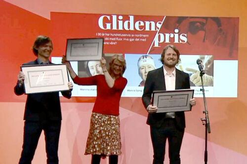 Dagbladets prisvinnere, fra venstre: John Rasmusen, Siri Gedde-Dahl og Bernt Jakob Oksnes. Ikke tilstede: Torgeir Krokfjord. Skjermdump fra Nordiske Mediedager / www.nordiskemediedager.no.