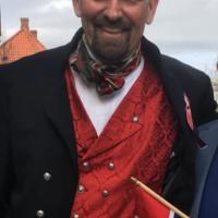Marius Chramer med flagg