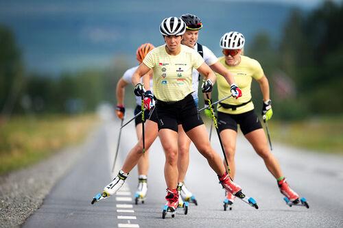 Charlotte Kalla & co. fra det svenske landslaget. Foto: Svenska Skidförbundet.