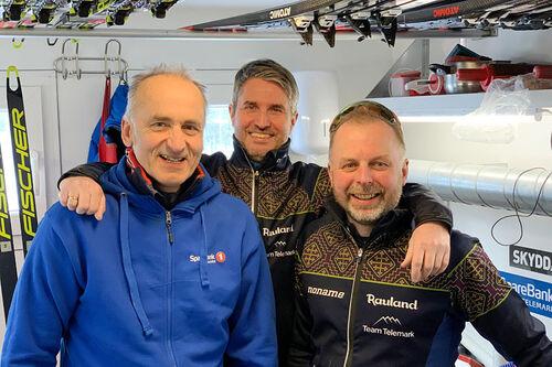 Smøreteam i Team Telemark sesongen 2020/2021 ved John Northug, Rune Sagstuen og Kristian Nordlunde. Foto: Team Telemark.