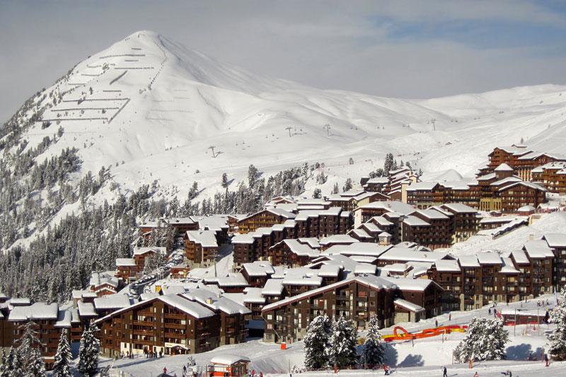 Landsby i vinterfjellet. Foto: Creative Commons/Pxfuel.com.