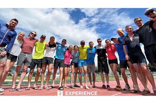 Team Decathlon Experience sitt mannskap for sesongen 2020/2021. Teamfoto.