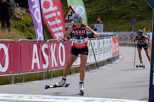 Therese Johaug inn til seier i Lysebotn Opp 2020. Foto: Axelar / Arild Aarnes.